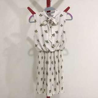 🚚 Preloved Ribbon Tie Pleated Swan Prints Dress