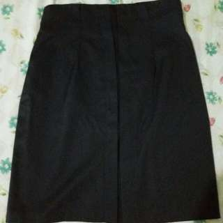 High-Waist Semi Pencil Cut Black Skirt