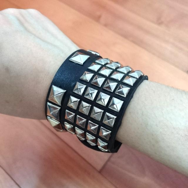 龐克搖滾鉚釘手環
