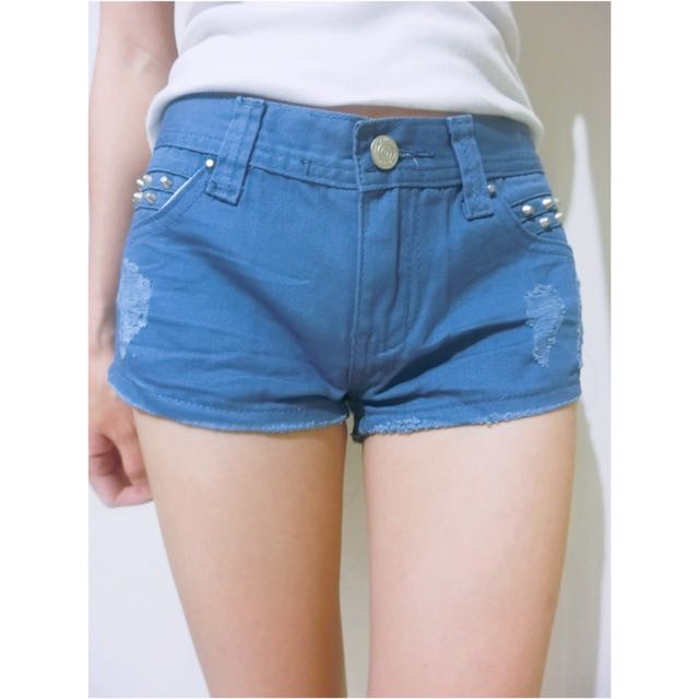 全新淺色水藍色刷破水洗破壞感卯釘單釦口袋丹寧牛仔短褲/顯瘦熱褲
