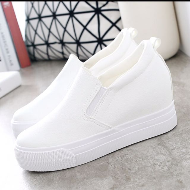 顯瘦內增高女休閒鞋 鬆糕鞋 懶人鞋 增高約7cm 白色 黑色 洞洞鞋
