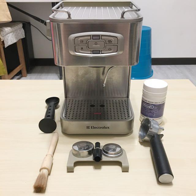 伊萊克斯 半自動義式咖啡機EES250