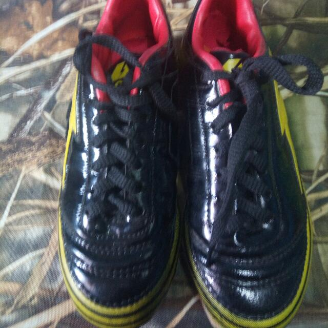 accell boys size 2