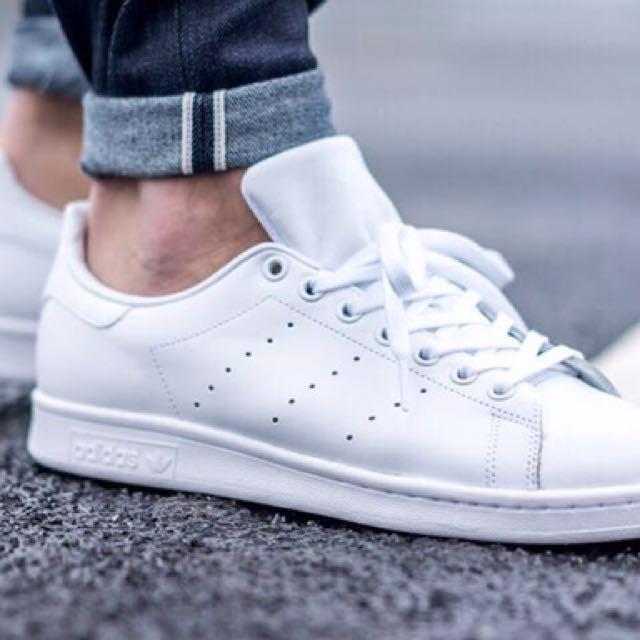 Adidas stansmith triplo bianco, la moda femminile, le scarpe carousell