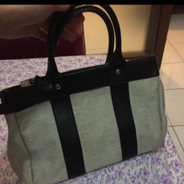Bag - Black Handbag