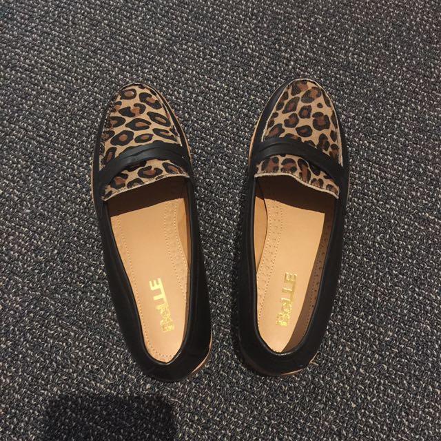 Belle Cambridge Shoes