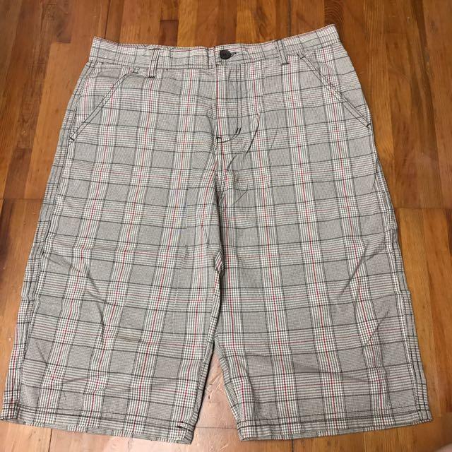 CK 男短褲 30腰 全新 購自美國 已剪標 格紋