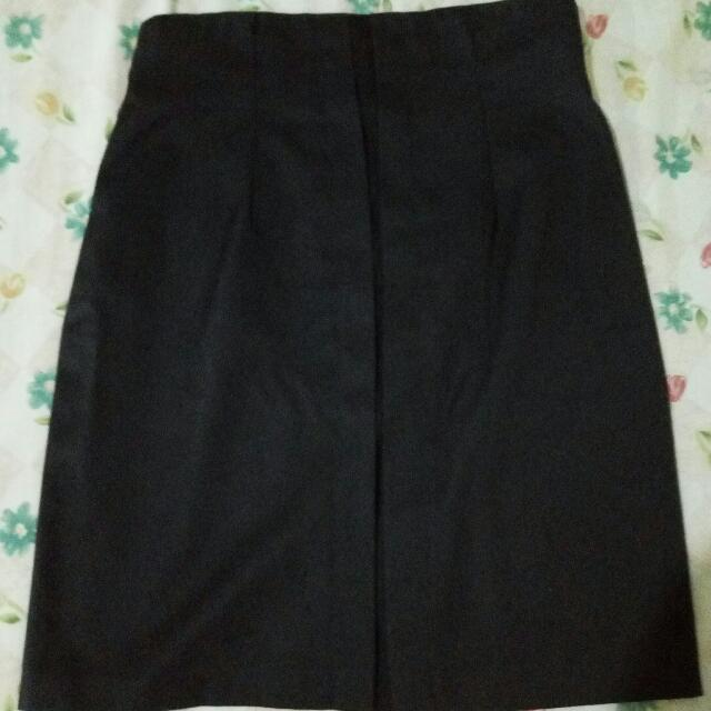 High-Waist Semi Pencil Cut Black Skirt