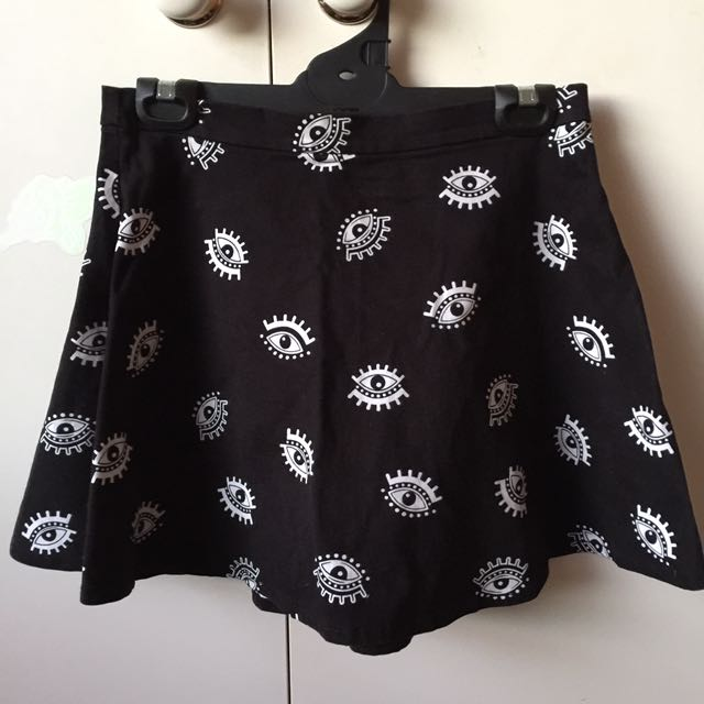 H&M CIRCLE SKIRT, US 6 (but fits up to 10)