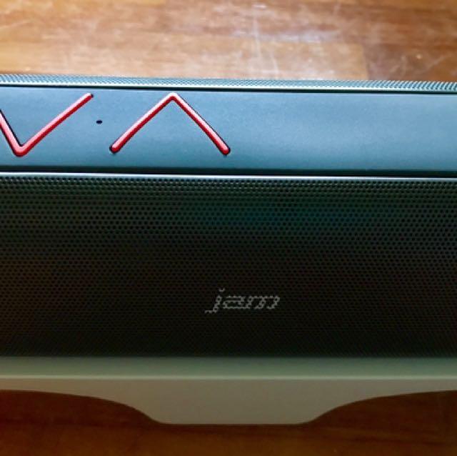 JAM HX-P320 Black// Green Thrill Wireless Stereo Speaker