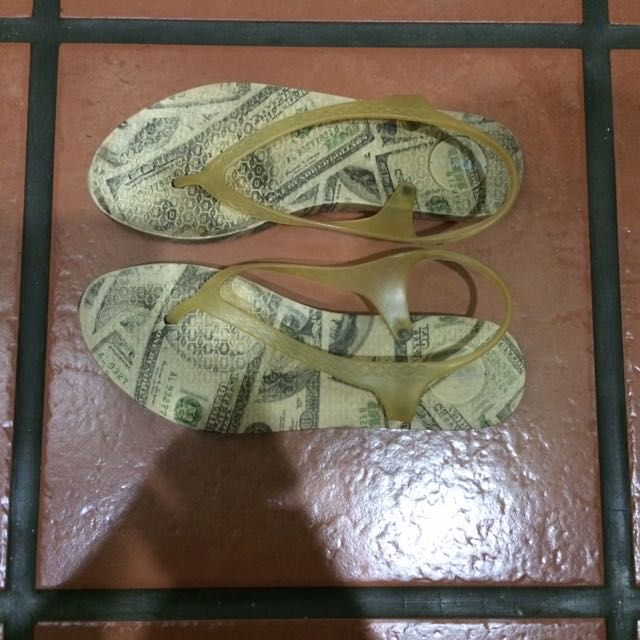 Money Slipper