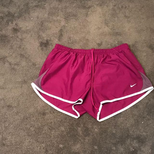 Nike Shorts - Size L