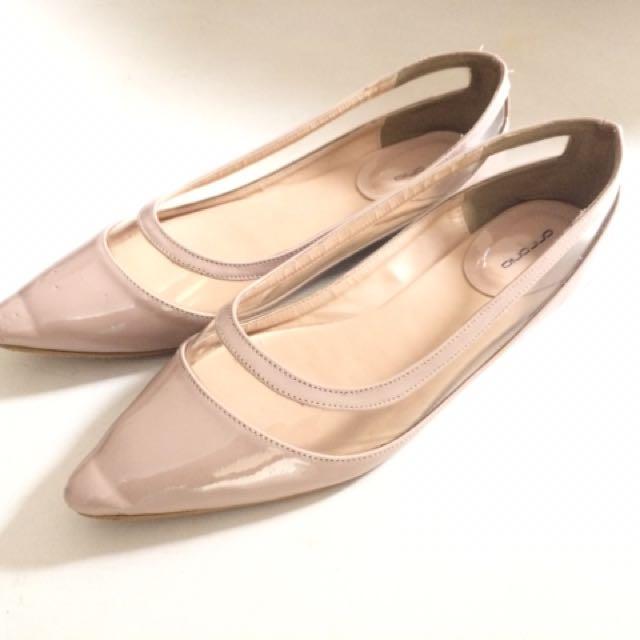 (SALE!!!) Nude Flatshoes
