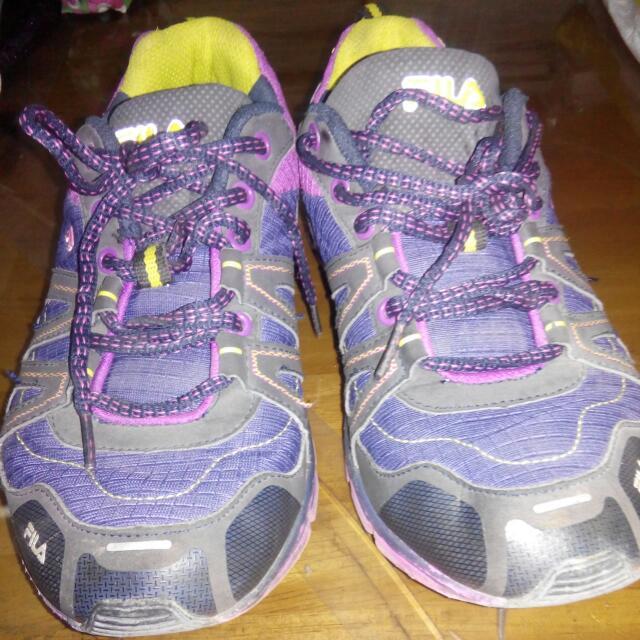 ORIGINAL Fila Running Shoes Size 10