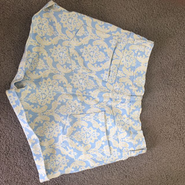Patterned High Waisted Shorts Size 8