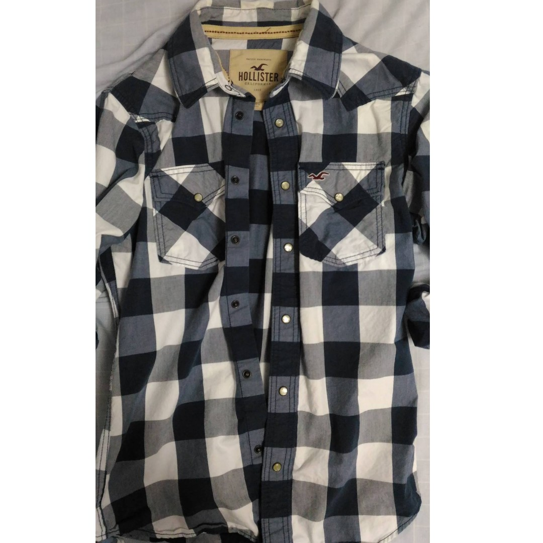 Plaid Shirt by Hollister Size SMALL - Navy and White