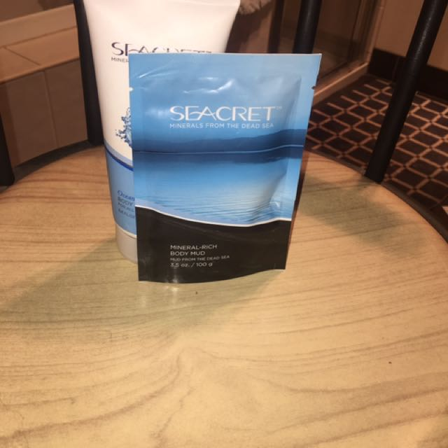 Seacret Mineral Rich Body Mud And Moisturiser