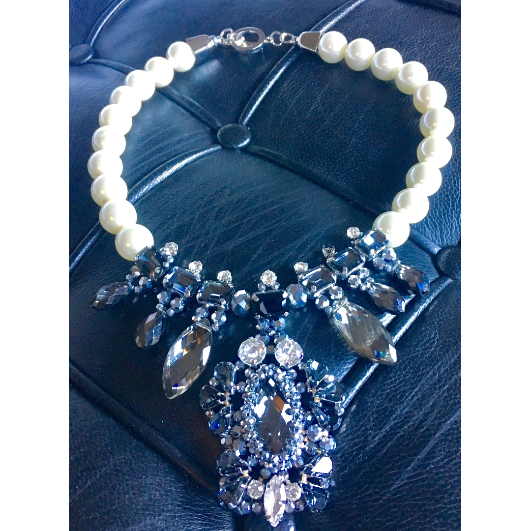 Secrets Crystal & Peral Necklace