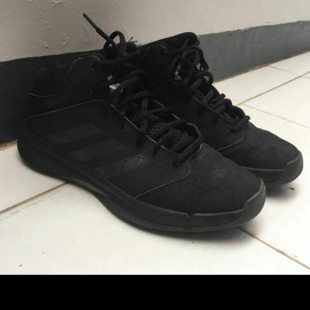 Sepatu Adidas Black