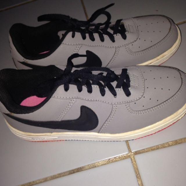 Sepatu Nike Cantik