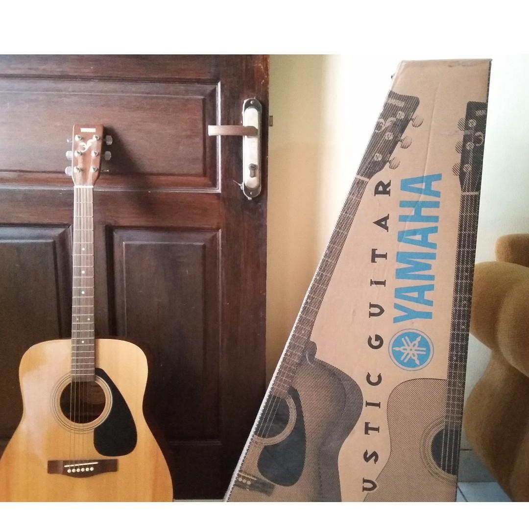 Yamaha Gitar Akustik