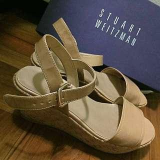 """Stuart Weizmann Nude Patent 2.5"""" Platform Sandals Size 36"""