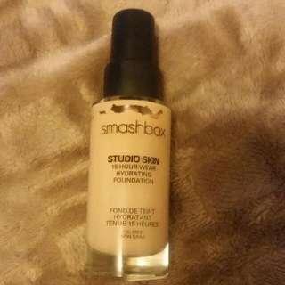 Smashbox Studio Skin Foundation