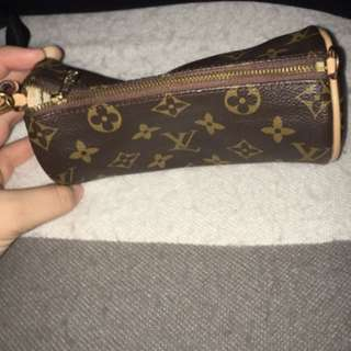LV (Louis Vuitton) Wristlet Bag Non-Authentic