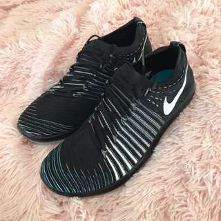 7.5 Nike Free Training Shoe