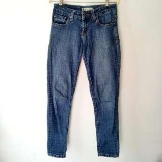 Lois Dark Blue Jeans Celana Jeans Panjang