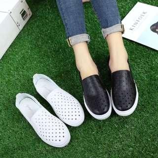 春夏新款平底洞洞懶人鞋 鏤空鞋 女用小白鞋 淺口鞋 休閒鞋 便鞋 好走鞋[兩雙400元喔]