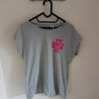 UNIQLO GREY TSHIRT