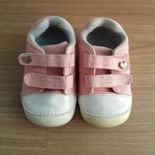 Sepatu Kets Merk Mothercare