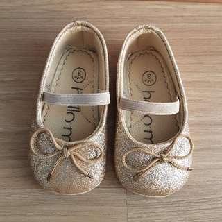 Sepatu Prewalker Merk Hello Mici Gold