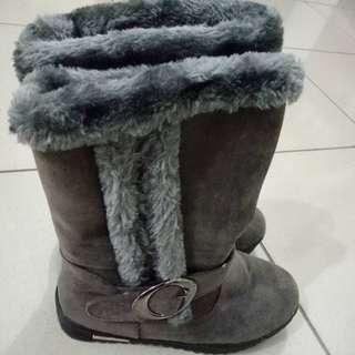 灰色厚底雪靴 250含運