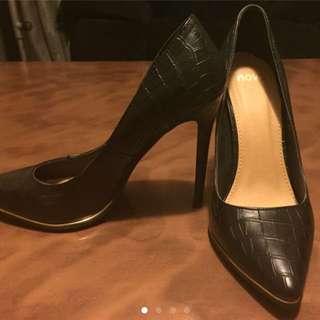 Novo Black Stilettos Size 8