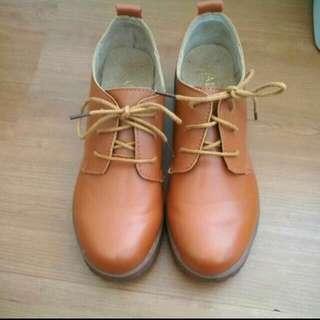 英倫復古休閒粗跟鞋