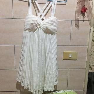 全新純白小洋裝