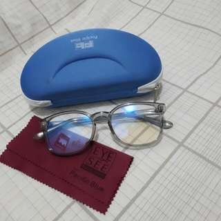 Specs/ Eyeglasses - Clear Frame (Replacable Lens)