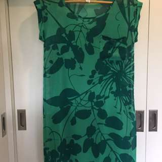 Old Navy Green Floral Crepe Dress
