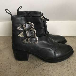 Beautiful Leather Jeffrey Campbell Boots