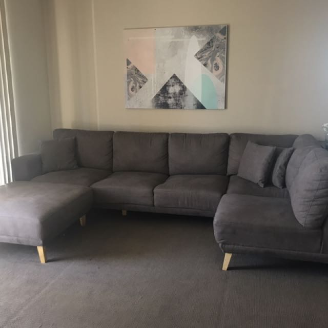 5 Seater Scandi Style Sofa With Ottoman