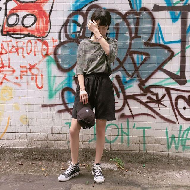 🎀全新黑色燈芯絨短褲#兩百元短褲
