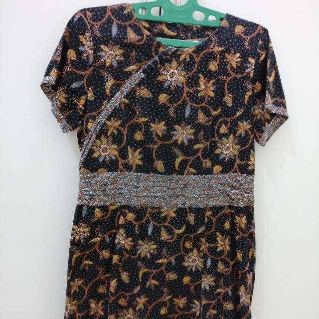 Batik Keris Brown Dress