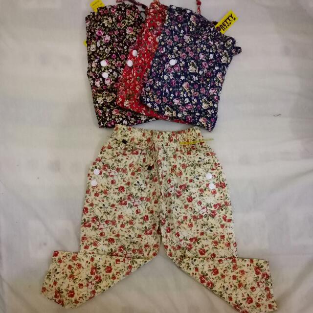 Celana Motif Anak Perempuan