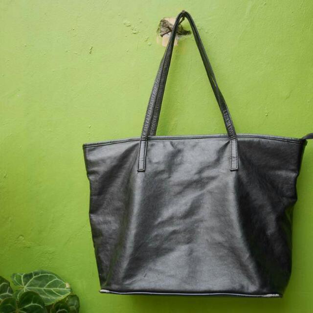 DNC , Black Leather