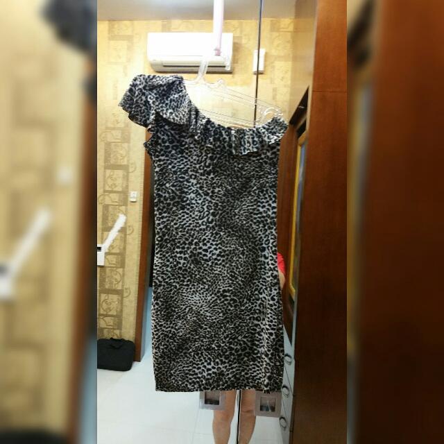 Dress Leopard Model Tarzan
