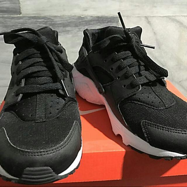 黑白武士鞋gs  23.5
