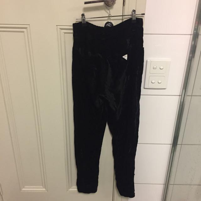 Guess velvet pants