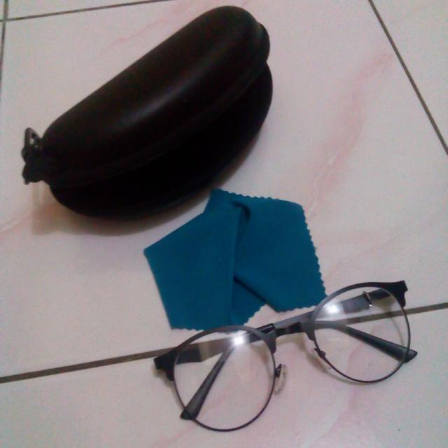 kacamata free case + lap